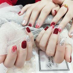 酒红色圆形晕染金箔简约水波纹新娘姐妹同款美甲图片
