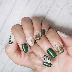 绿色方圆形手绘贝壳片金箔春天美甲图片