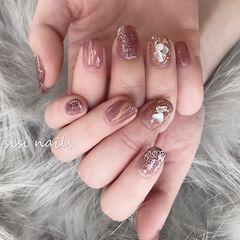 贝壳片猫眼方圆形粉色美甲图片