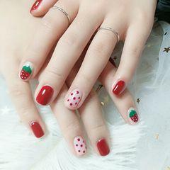红色方圆形手绘波点草莓水果美甲图片