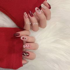 红色圆形银色水波纹手绘花朵波点珍珠美甲图片