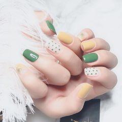 绿色方圆形手绘晕染跳色米白色黄色波点很适合春夏天的款式 显手白 清新可爱美甲图片