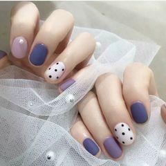 圆形磨砂简约紫色时尚美甲图片