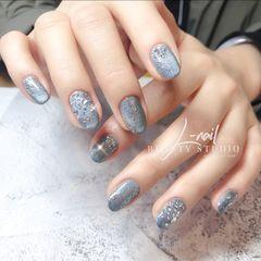 灰色蓝色圆形钻日式简约猫眼日本陨石猫眼搭水晶砂美甲图片