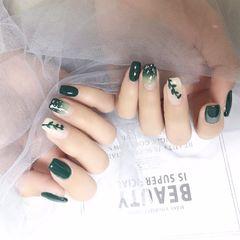 方圆形绿色渐变手绘树叶贝壳片美甲图片