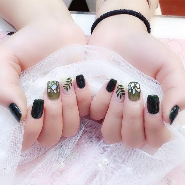 方圆形绿色手绘树叶贝壳片美甲图片