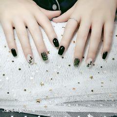 方形晕染金箔贝壳片绿色手绘树叶美甲图片