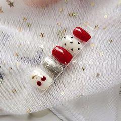 红色方圆形简约手绘波点银色水果樱桃美甲图片
