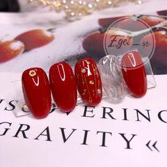 红色圆形金箔新娘简约水波纹美甲图片