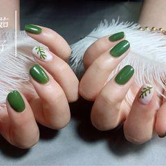 绿色方圆形简约手绘简约,清爽,巨显白美甲图片