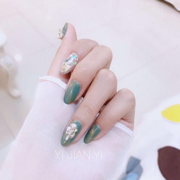 绿色尖形金箔贝壳片日式猫眼美甲图片