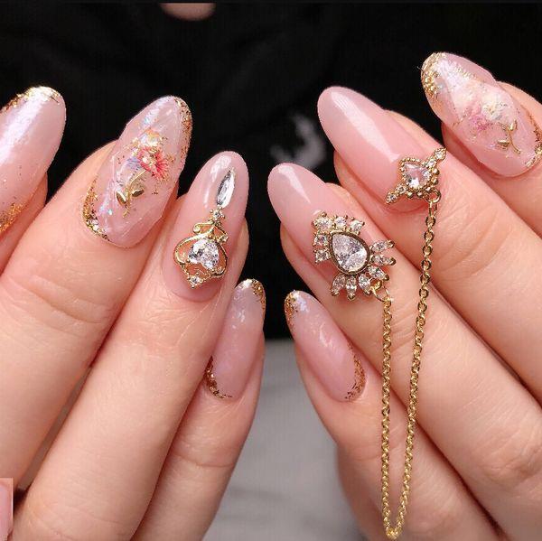 圆形金箔钻贝壳片简约金属饰品粉色日式有喜欢的总是忍不住分享美甲图片