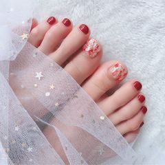 红色晕染金箔贝壳片脚美甲图片