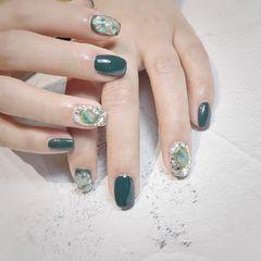 绿色方圆形晕染贝壳片夏天钻美甲图片
