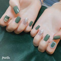珍珠+水波纹美甲图片