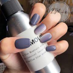 方圆形简约紫色灰色竖形渐变美甲图片