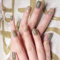 绿色夏天晕染贝壳片金箔简约方圆形美甲图片