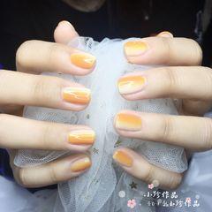 方圆形橙色黄色竖形渐变夏天美甲图片