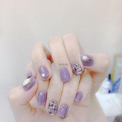 方形紫色手绘毛呢珍珠美甲图片