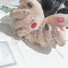 绿色红色方形夏天短指甲手绘跳色美甲图片