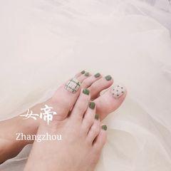绿色裸色波点夏天脚简约手绘格纹美甲图片