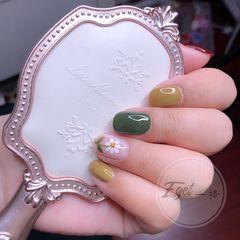 绿色黄色方圆形夏天花朵手绘美甲图片