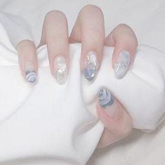 蓝色尖形夏天贝壳片珍珠晕染美甲图片