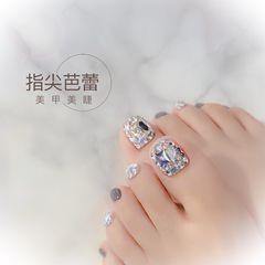 银色夏天脚钻灰色美甲图片