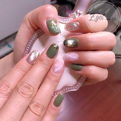 绿色方圆形水波纹夏天贝壳片金箔小清新白色日式手绘美甲图片