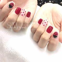红色简约夏天波点短指甲美甲图片