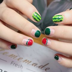圆形绿色红色手绘西瓜水果圆法式夏天美甲图片