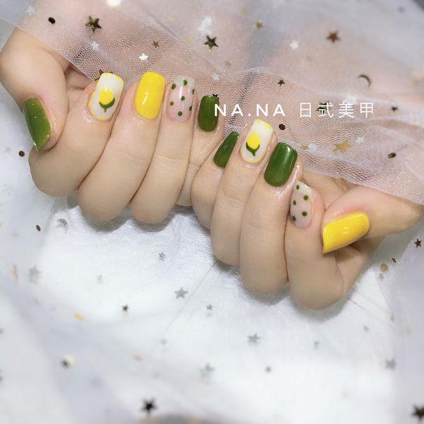 绿色方圆形波点手绘可爱夏天黄色水果跳色美甲图片