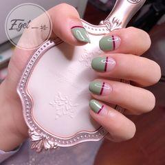 绿色短指甲夏天简约圆形平法式美甲图片