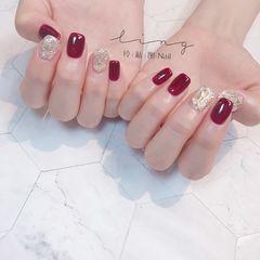 红色方形新娘贝壳片金箔美甲图片