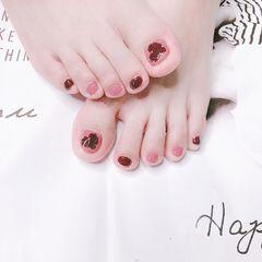 脚部酒红色粉色心形跳色美甲图片