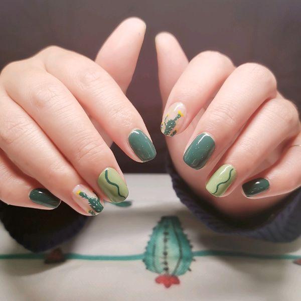 绿色方圆形手绘仙人掌夏天仙人掌绿美甲图片