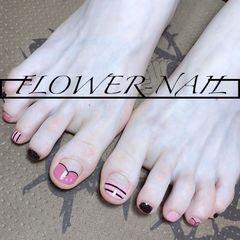 圆形脚跳色夏天豆沙色粉色黑色美甲图片