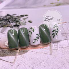 绿色方圆形夏天手绘树叶猫眼美甲图片