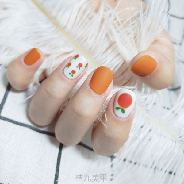 橙色方圆形夏天水果简约第一次调色美甲图片