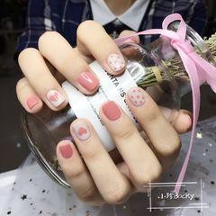 圆形夏天波点粉色白色心形跳色很舒服的款式哦美甲图片