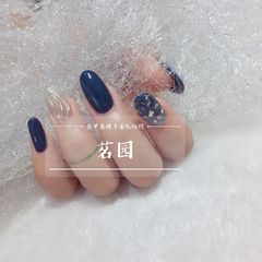 蓝色圆形夏天水波纹贝壳片美甲图片