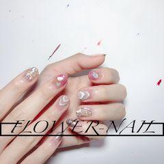 裸色银色圆形夏天金箔晕染短指甲渐变贝壳片豆沙色美甲图片