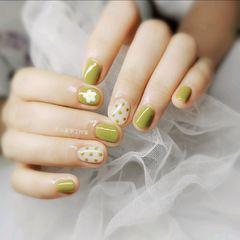 圆形夏天波点短指甲花朵美甲图片