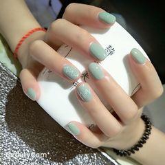 裸色彩色绿色圆形夏天简约短指甲夏天的感觉美美哒美甲图片