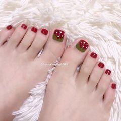 脚部红色手绘水果草莓夏天美甲图片