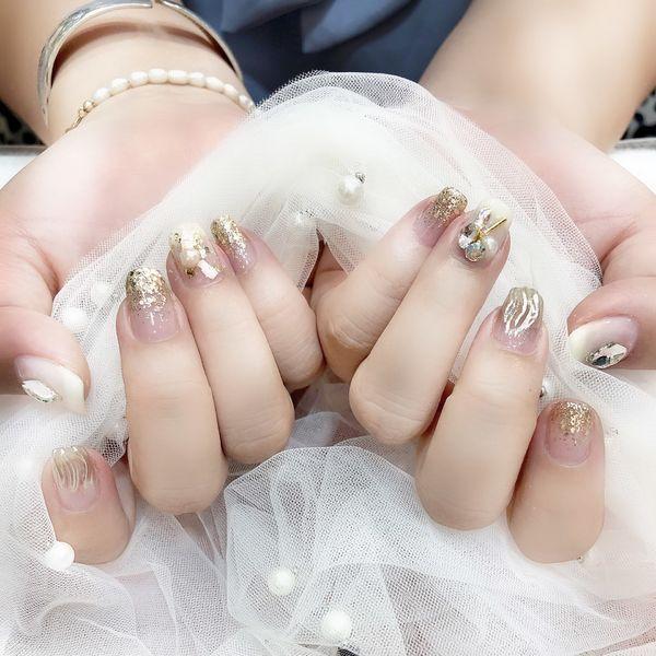 方圆形银色金色贝壳片珍珠水波纹美甲图片