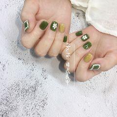 绿色黄色方圆形夏天珍珠手绘花朵美甲图片