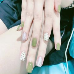绿色波点方圆形银色夏天跳色美甲图片