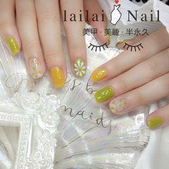 绿色黄色方圆形花朵波点跳色夏天美甲图片