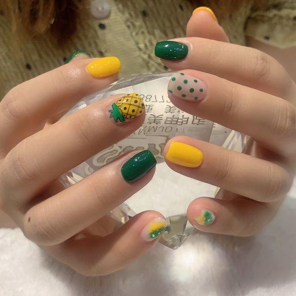 方圆形绿色黄色手绘波点水果跳色夏天美甲图片